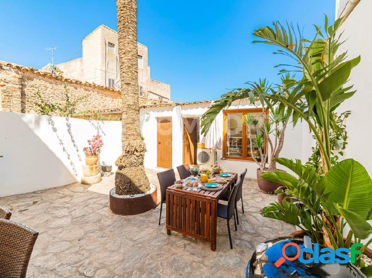 Casa con encanto en casco antiguo de Alcudia con vistas al