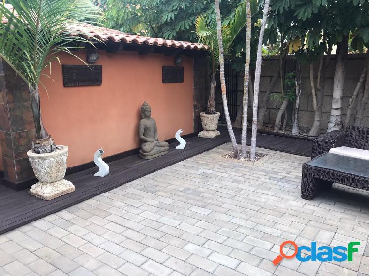 Casa con terreno en Arona, El Cho