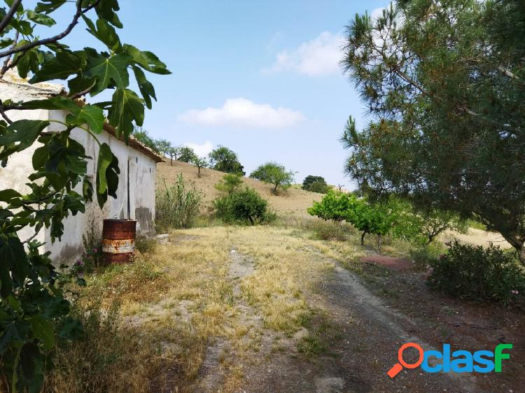 Casa con terreno en Cabezo de Cuti, Puerto Lumbreras-Murcia