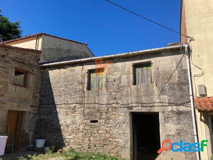 Casa de piedra para Rehabilitar con finca de 280m2 en Lamas