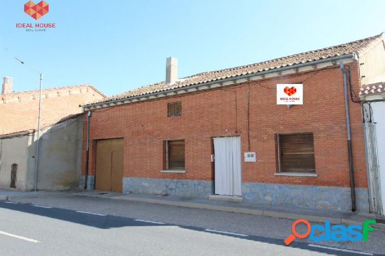 Casa de pueblo en Santiuste de San Juan Bautista - Segovia