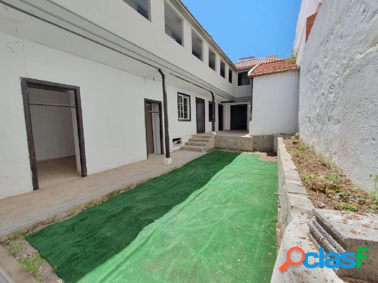 Casa en el centro de La Orotava con terrazas y vistas al mar