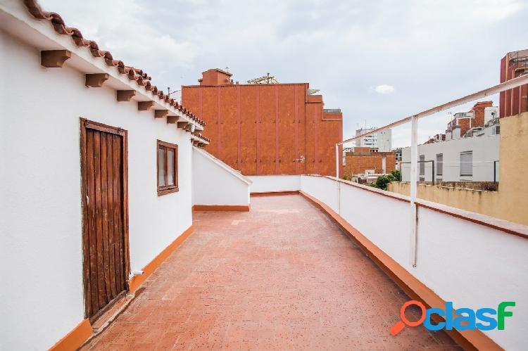 Casa en el centro del Hospitalet de Llobregat, a 1 minuto