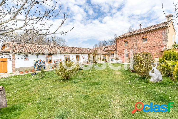 Casa en venta de 180 m² Calle Los Molinos, 34475 Villaeles