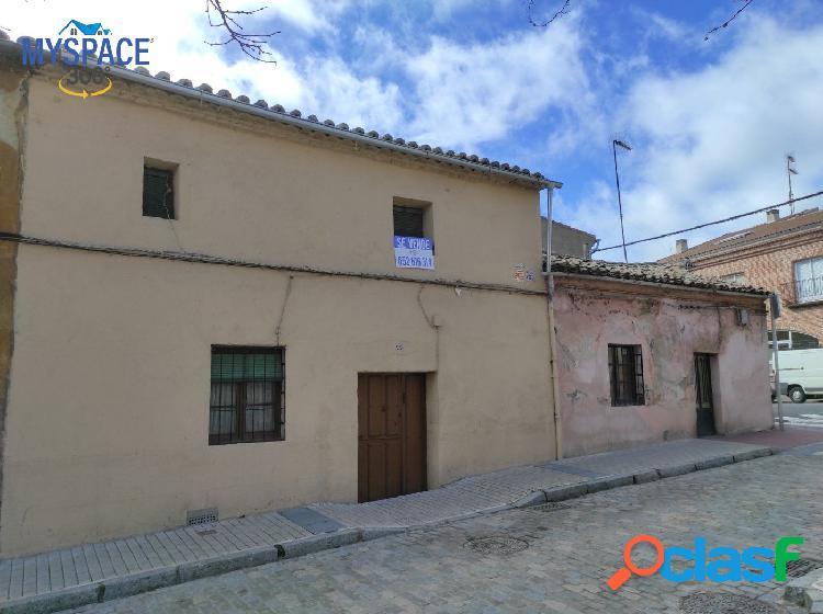 Casa para reformar en Las Vacas, Ávila Capital.
