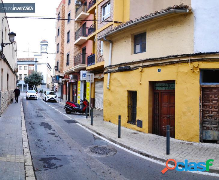 Casa urbana de 2 plantas situada en zona del Ayuntamiento de