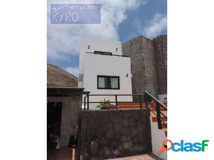 Chalet 6 habitaciones, Duplex Venta Tinajo