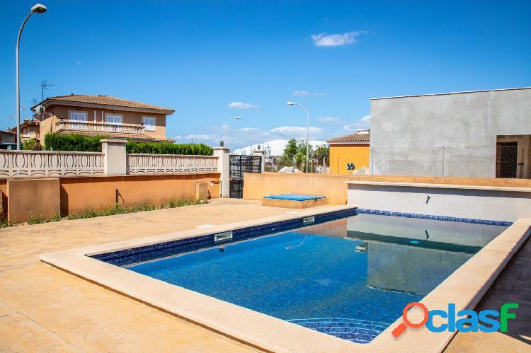 Chalet a estrenar con piscina en urbanización en Marratxí