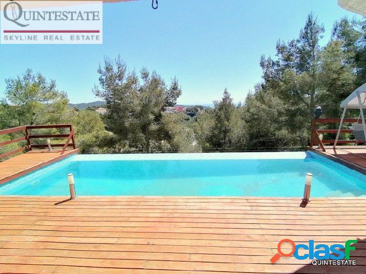 Chalet con licencia turística en urbanización Els Jardins