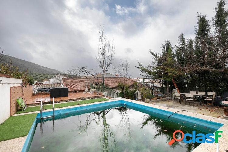 Chalet con piscina y jardín en Puerto Lope