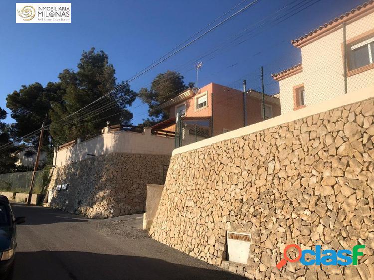 Chalet independiente en la Nucia con una parcela de 250 m2