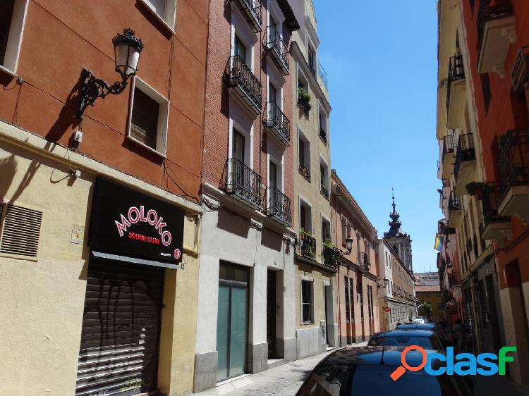 ESTUDIO HOME MADRID OFRECE estudio de 32 m2 situado en el