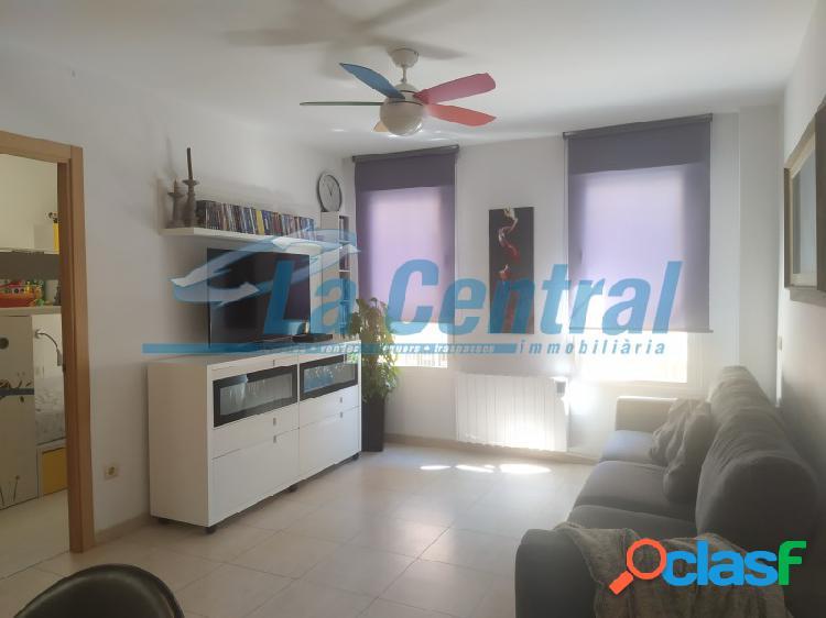 En Tortosa piso en venta con una espaciosa terraza