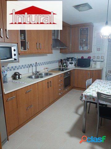 En venta piso zona Carrefour 3 dormitorios 2 baños garaje