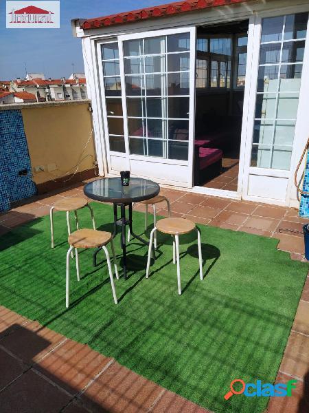 En venta ático dúplex con terraza de 20 metros y solarium