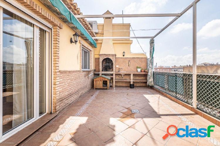 Espectacular ÁTICO en el centro de Granada