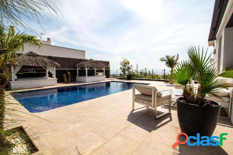 Espectacular casa con piscina y una preciosa y agradable