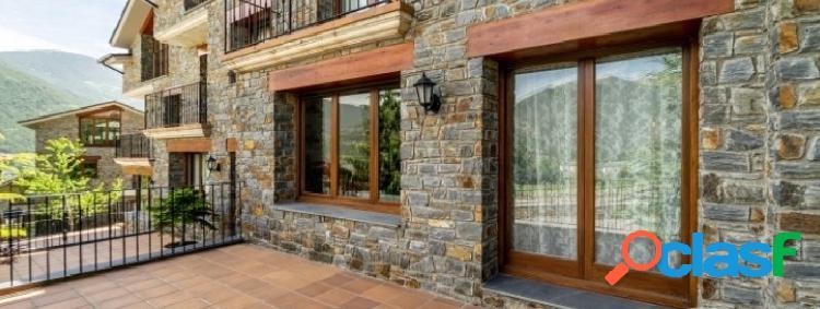 Espectacular casa en un entorno residencial