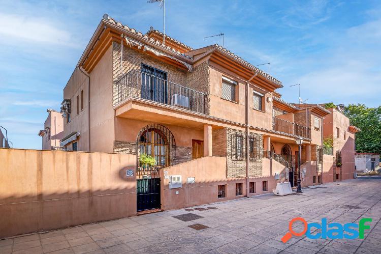 Espectacular casa en venta junto Mondragones