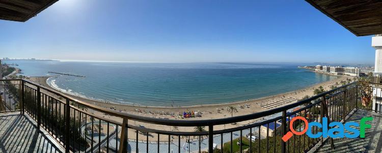 Espectacular vivienda frente a la playa del Postiguet