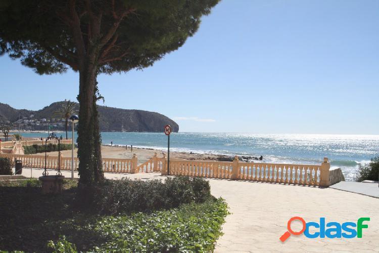 Estupendo apartamento junto al mar en Moraira (Playetes)