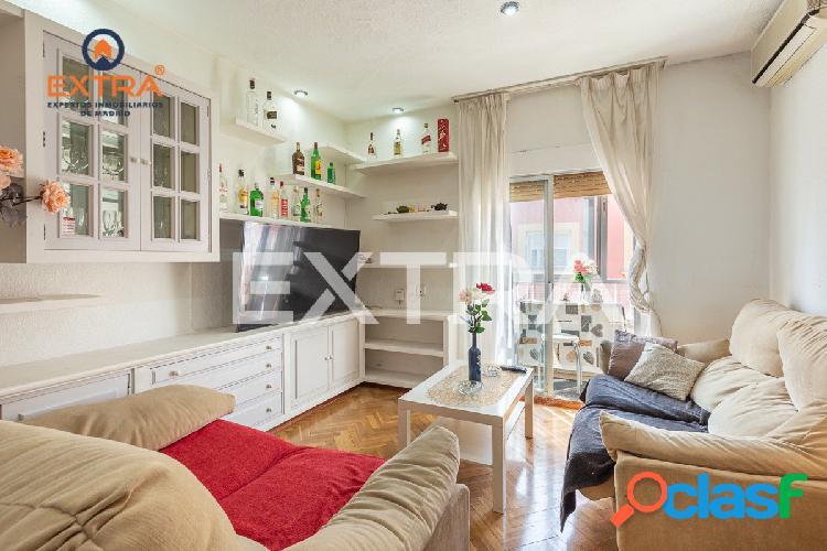 Excelente piso exterior y muy luminoso, con 3 dormitorios a