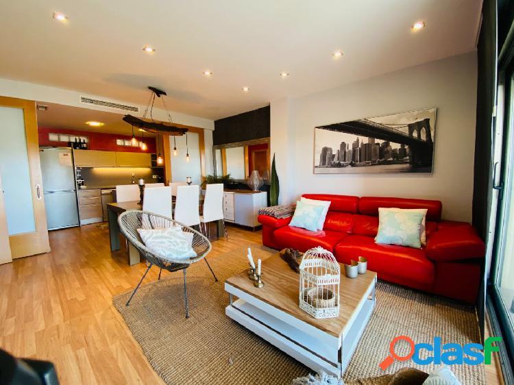 Exquisito piso semi-nuevo con plaza de parking en Mahon