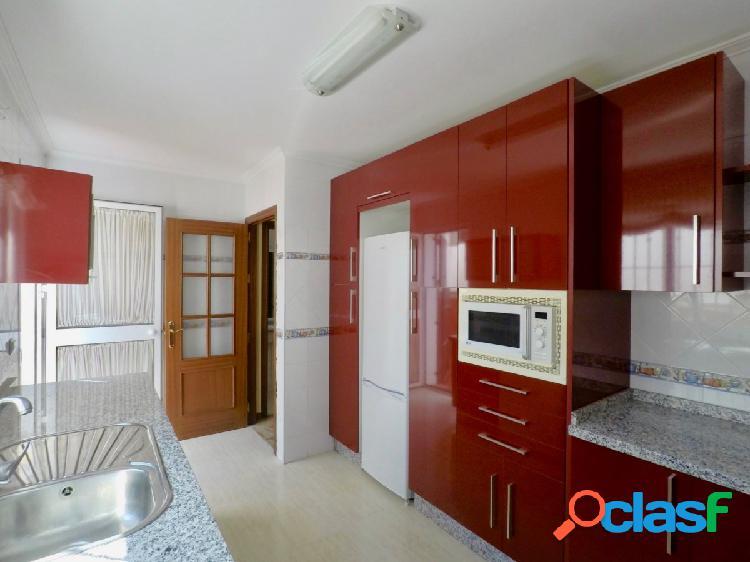 Fantástica adosada de 3 dormitorios 2 baños 2 Patios