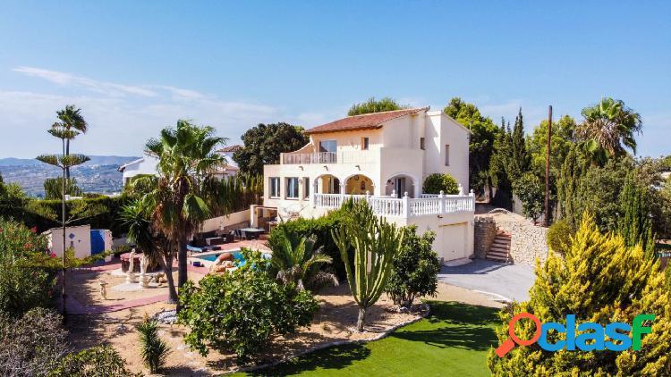 Gran Villa Familiar con Buenas Vistas al Mar en Moraira