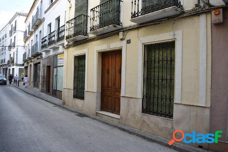 Gran casa para reformar en la mejor calle de Montilla!