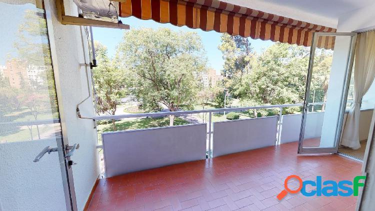 Gran vivienda en Conde de Vallellano con vistas a los