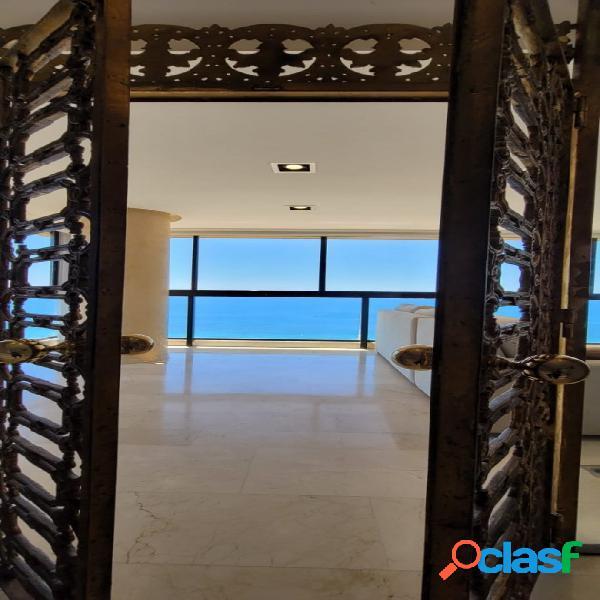 Impresionante apartamento en primera línea en la playa de