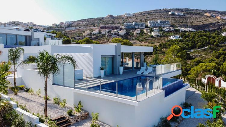 Increíble villa nueva y moderna con fantásticas vistas al