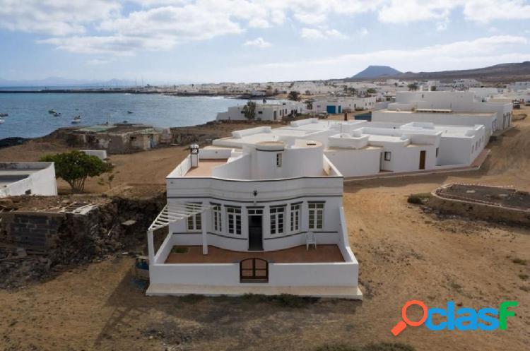 LA GRACIOSA: Exclusivo chalet independiente en Famara