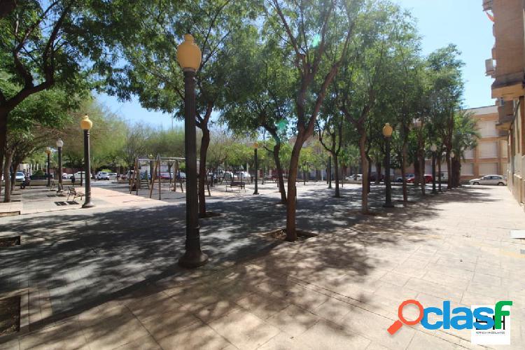 LOCAL EN BRUTO ZONA PLAZA MADRID