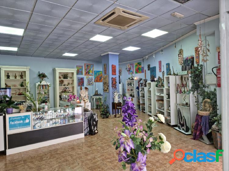 Local comercial en venta en el centro de Roquetas