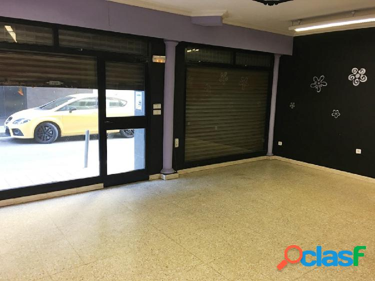 Local de 45 m2 en lloguer. Ideal despatx, consulta...