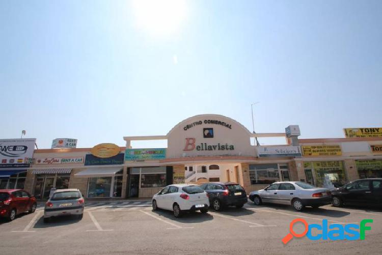 Local en el centro comercial Bellavista, La Regia