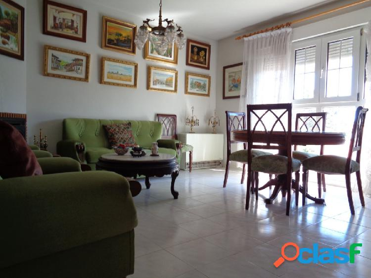 Magnífico piso en zona centro, Las Navas del Marqués,
