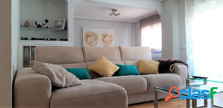 Maravilloso piso de cuatro dormitorios por la zona de Santo