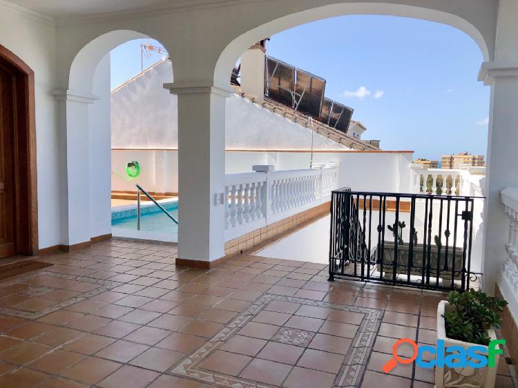 Miraflores del Palo; chalet independiente con piscina y