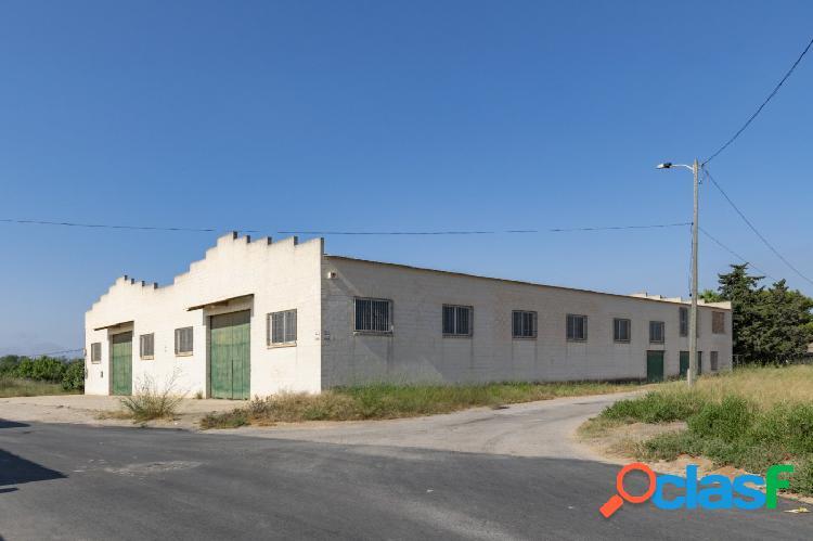 Nave Industrial, a las afueras de La Palma zona Los Marines.