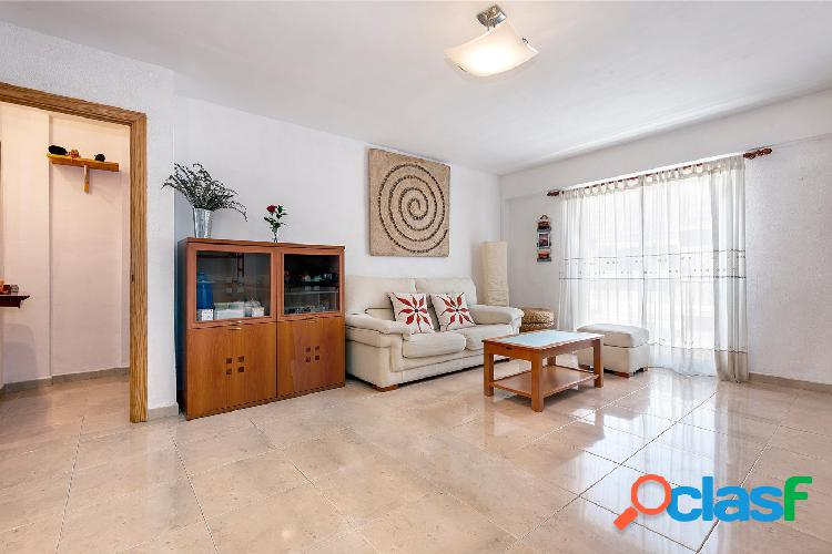 Oportunidad! Venta piso de 3 habitaciones a 1km de la playa.