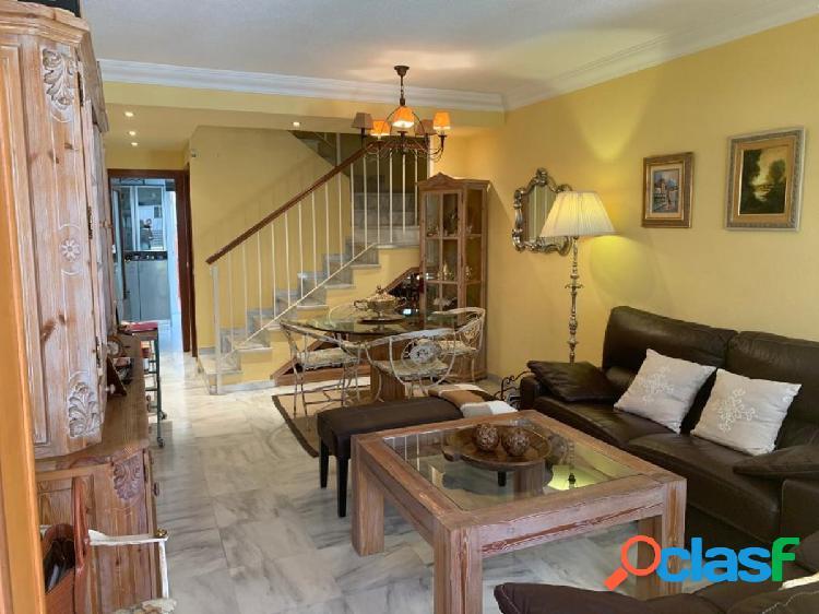 Oportunidad para vivir en una gran casa adosada en una zona