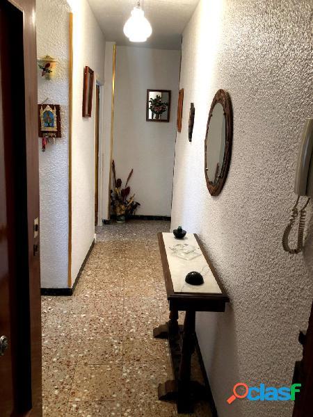 PRIMER PISO DE 4 DORMITORIOS, SALON-COMEDOR, COCINA