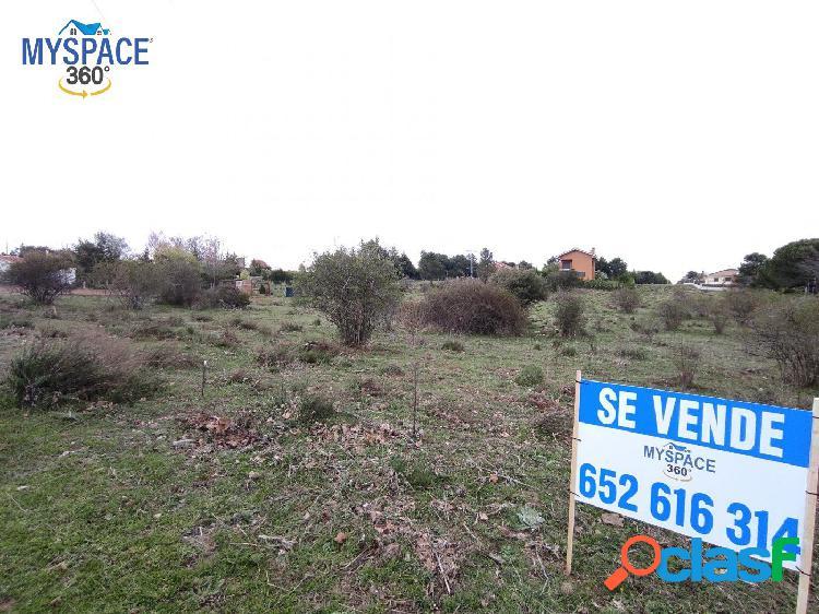 Parcela Urbana en Navalperal de Pinares, Ávila.
