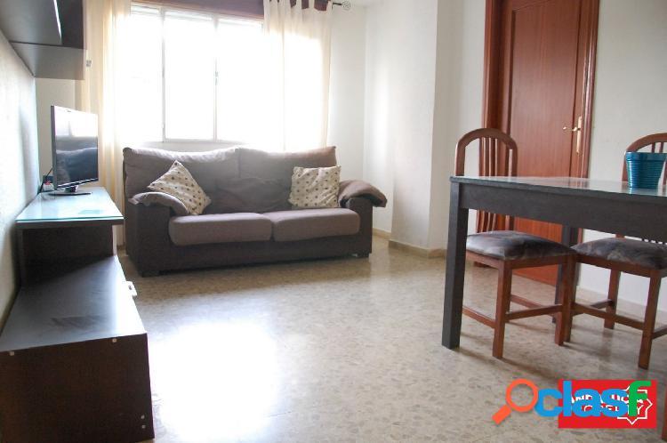 Piso 4 dormitorios en Plaza de Gracia ideal estudiantes