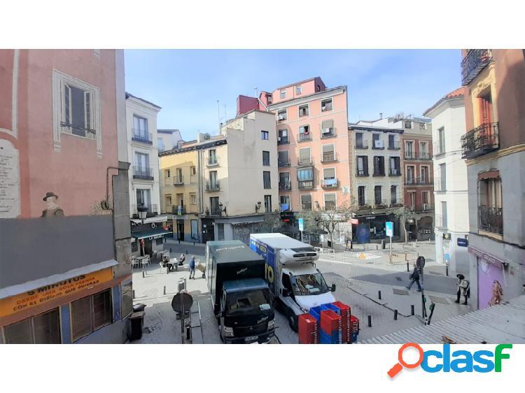 Piso 9 habitaciones Venta Madrid