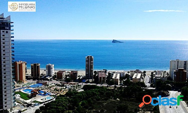 Piso de 150 m2 de 3 dormitorios con vistas al mar a 400m