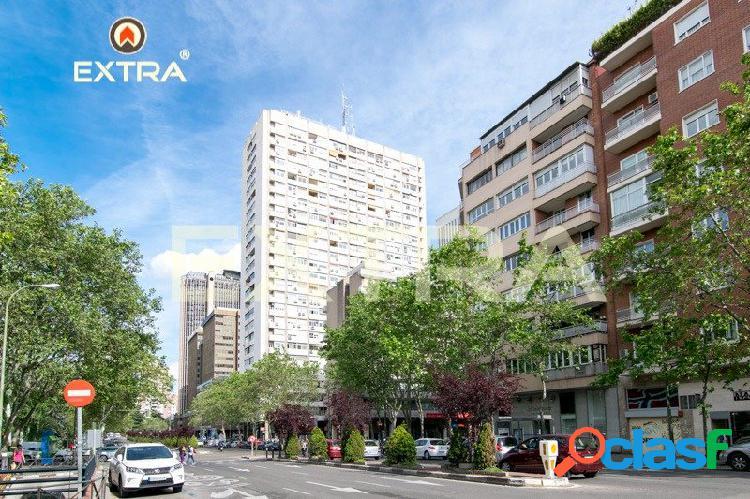 Piso de 2 dormitorios en Avenida de General Perón,
